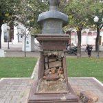 Vandalismo en la Plaza Mitre - 10 de Mayo  IMG_4044